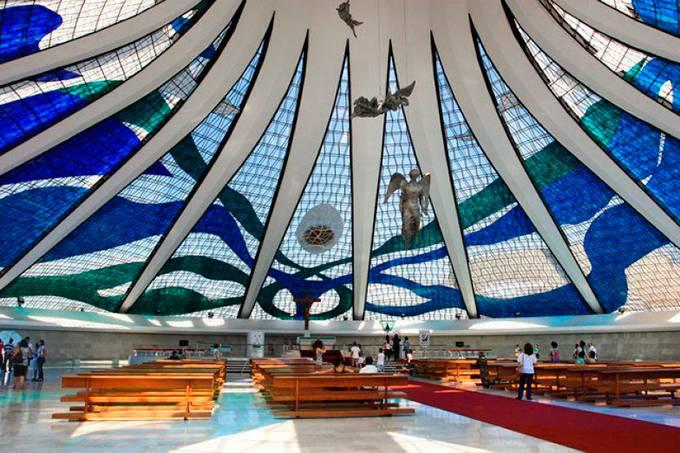 catedral-metropolitana-de-nossa-senhora-aparecida-brasilia